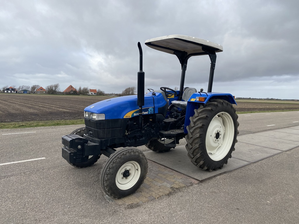 New Holland TT75